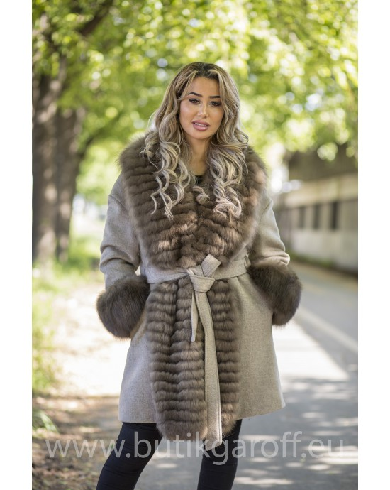 Cashmire Coat with Real Fox Fur collar - BEIGE