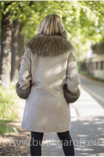 Cashmire Coat with Real Fox Fur collar - BEIGE